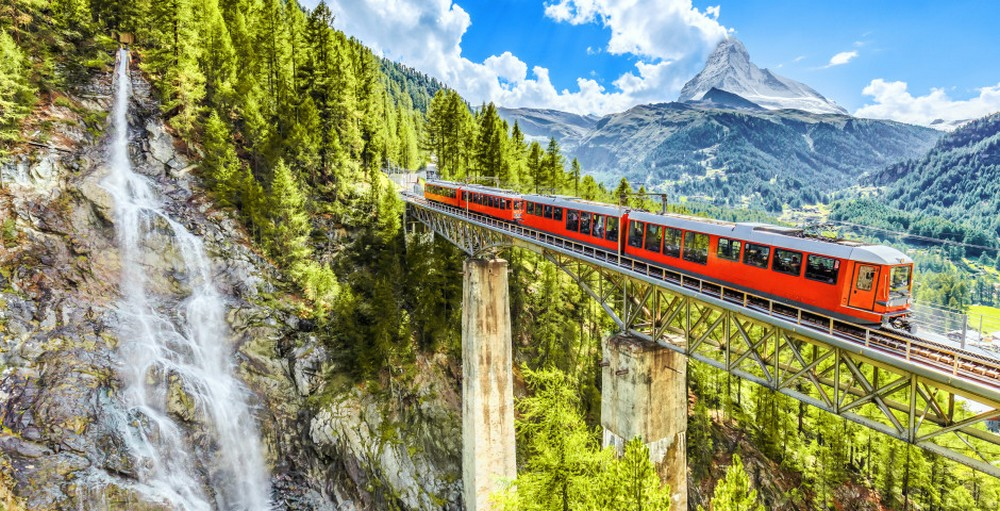 LA SUISSE – TRAINS DE LEGENDE